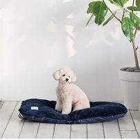 Woolly TOMS PICNIC CUSHION ネイビー